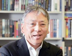 ノーベル文学賞にカズオ・イシグロ