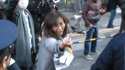 香山リカは精神科医や立教大学教授という肩書を持ちながらプライベートで異常な政治活動に参加していた。