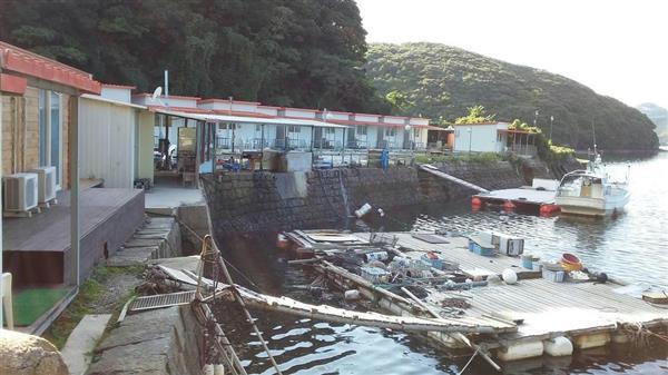 海上自衛隊対馬防備隊本部に隣接する浅茅湾沿岸には韓国人専用のロッジが並ぶ