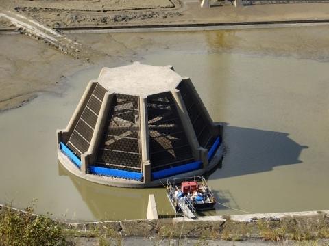 城山湖取水口