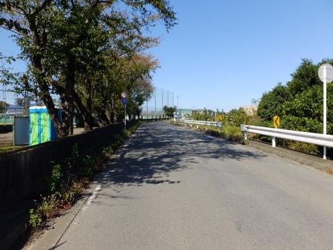 相模川旧堤防・新田宿グランド付近