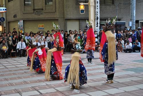 八つ鹿踊り(神事)