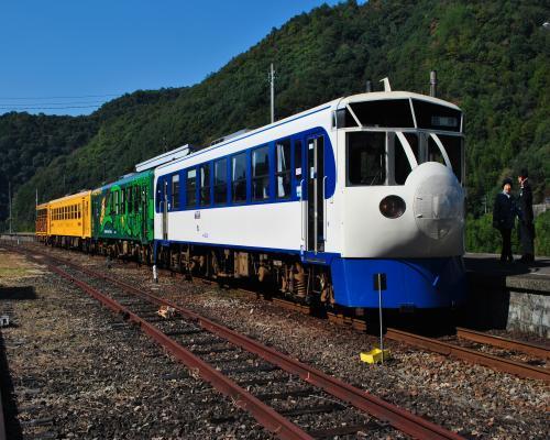 JR江川崎駅到着