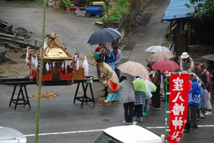 村のお祭り54
