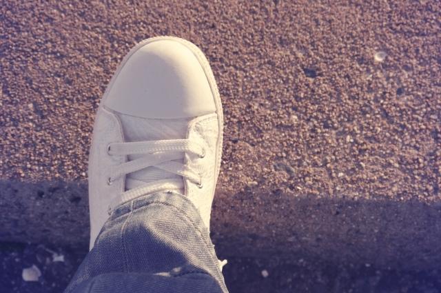新年 新しい一歩 スニーカー 靴