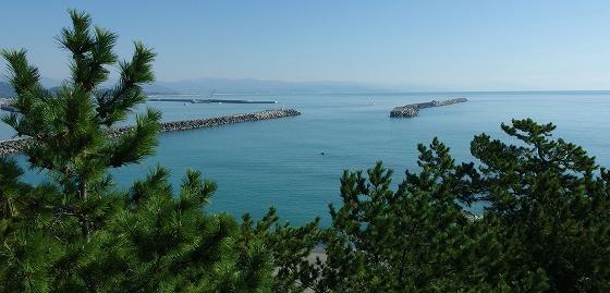 171031坂本龍馬像目線の海
