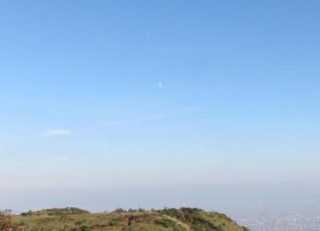 天山でお月見する 140