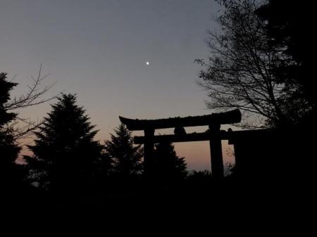 天山でお月見する 184