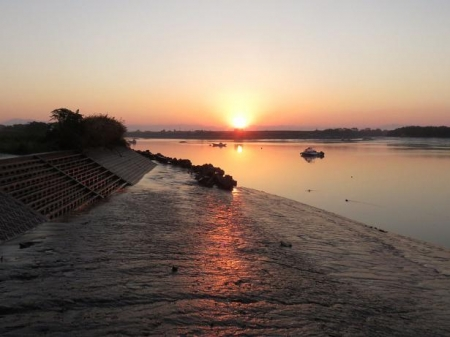 筑後川の朝日とお月さん 037