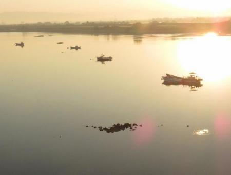 筑後川の朝日とお月さん 078