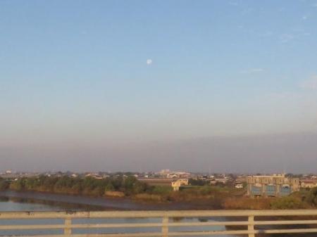 筑後川の朝日とお月さん 094