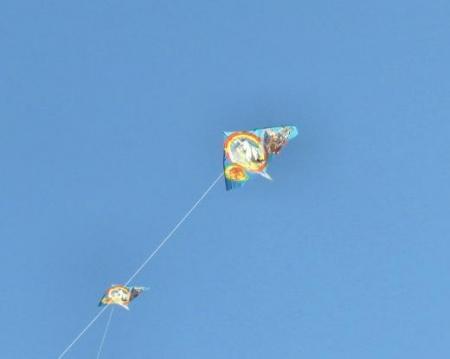 凧とお月様 019