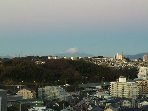 だんだん冬の富士さん