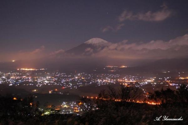 眼下の御殿場市の夜景