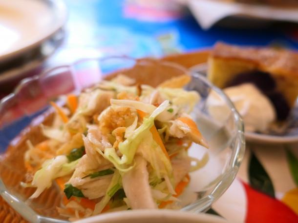 チキンとキャベツのサラダ