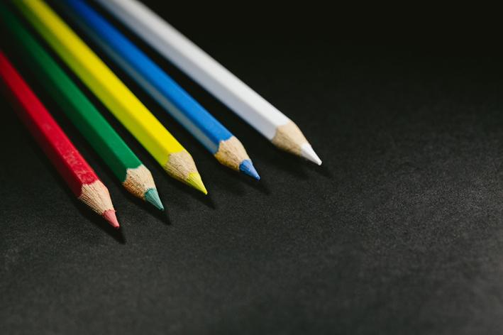 5色の色鉛筆