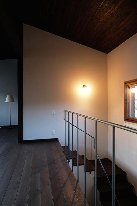 江別の家 階段と鉄製手すり11