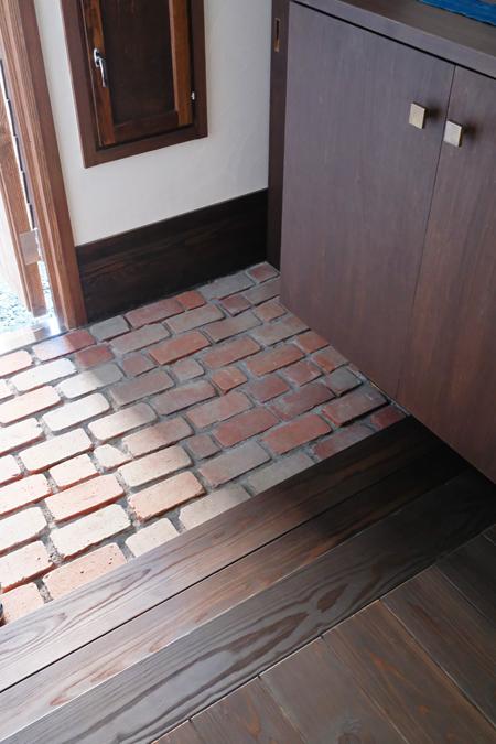 江別の家 玄関11