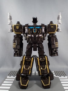 SDCC2017 TFTR optimusprime black (5)