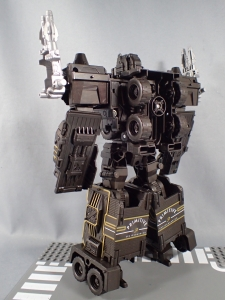 SDCC2017 TFTR optimusprime black (12)