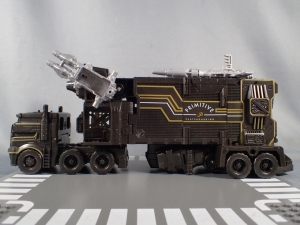 SDCC2017 TFTR optimusprime black (48)