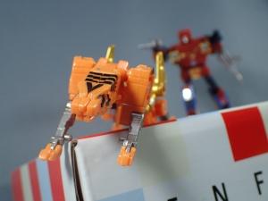 【タカラトミーモール限定】トランスフォーマー マスターピース MP15 16-E カセットボット VS カセットロン (30)