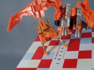 【タカラトミーモール限定】トランスフォーマー マスターピース MP15 16-E カセットボット VS カセットロン (40)