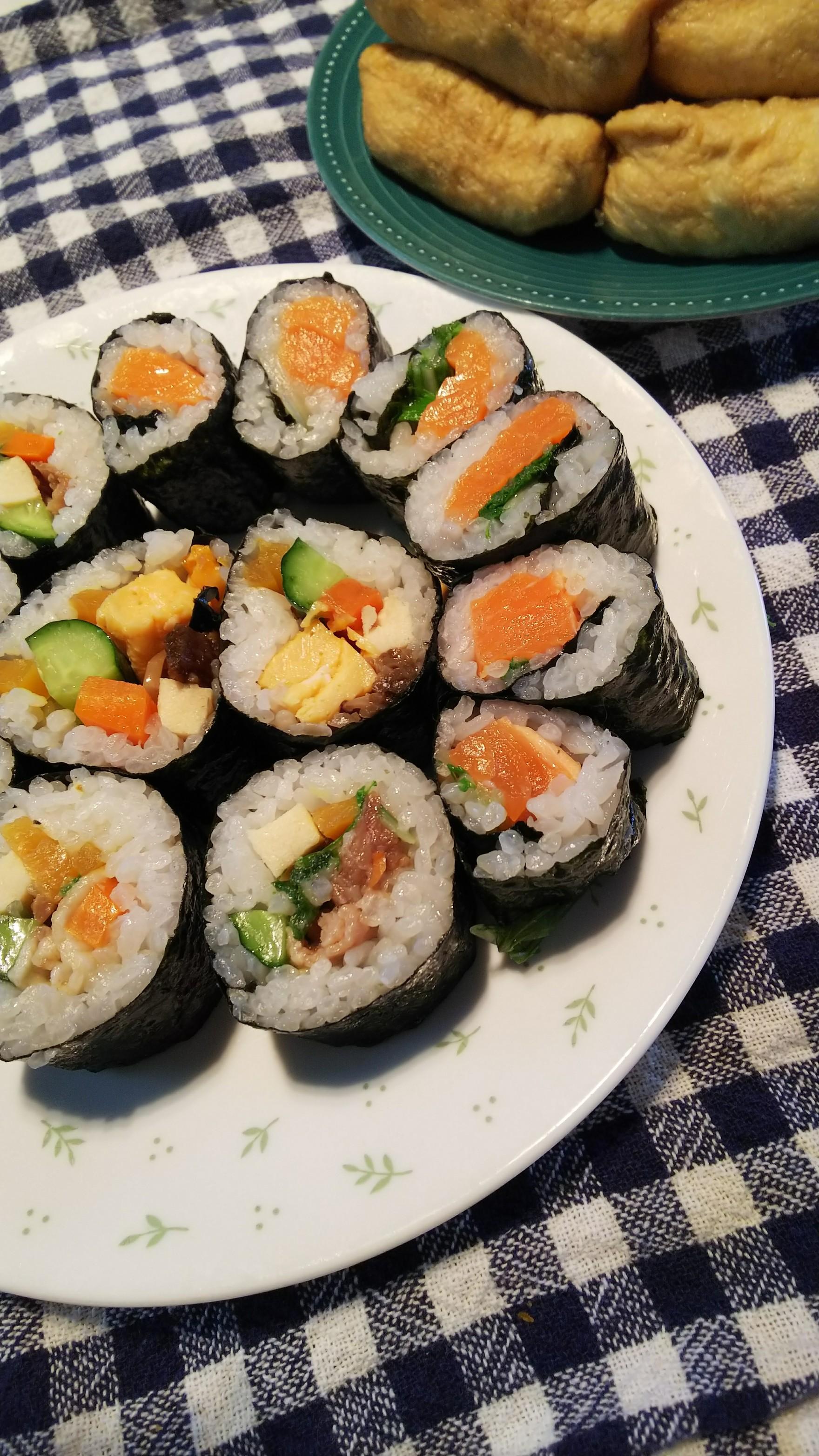 あり合せ巻き寿司といなり