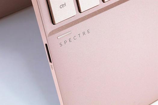HP Spectre x360 13-ae000_ローズゴールド_0G1A5894_d