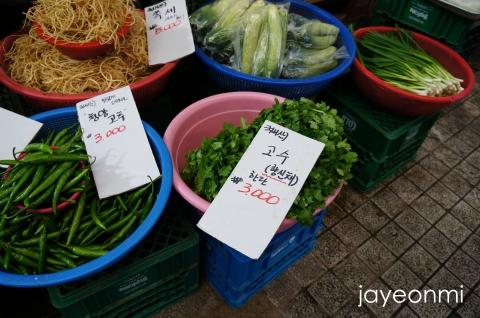 CN-Story_ファム_温陽温泉在来市場_3