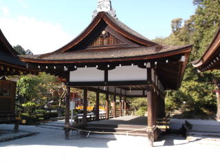 上賀茂神社舞殿