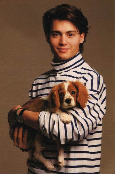 69184e0d77a49257f969f892df54a3a9--pictures-of-johnny-depp-striped-turtleneck.jpg