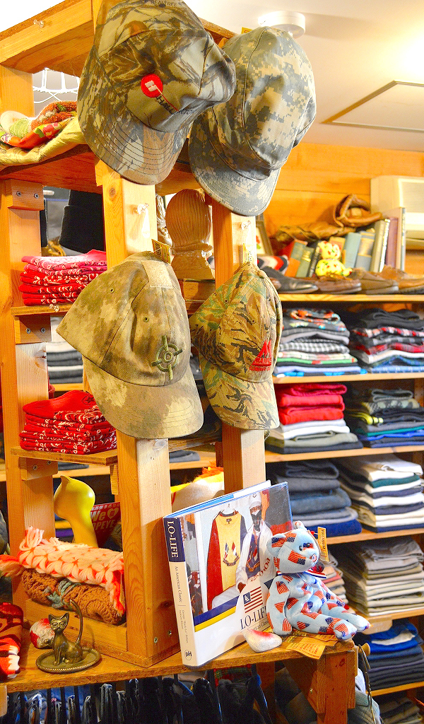 古着屋カチカチ店内画像@Used Clothing Shop Tokyo Japan04
