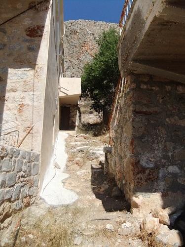 イェロリメナス_西側の台地へ (2)