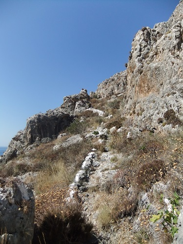 イェロリメナス_西側の台地へ (4)