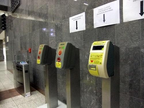 アテネ_地下鉄駅