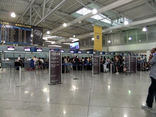 アテネ_空港にて (4)