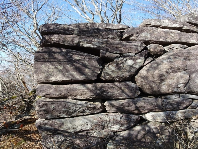 西側の石積み