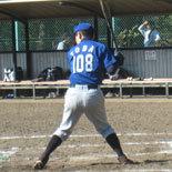 3回裏、戸田が適時三塁打を放つ