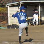3回裏、戸田が2点適時打を放つ