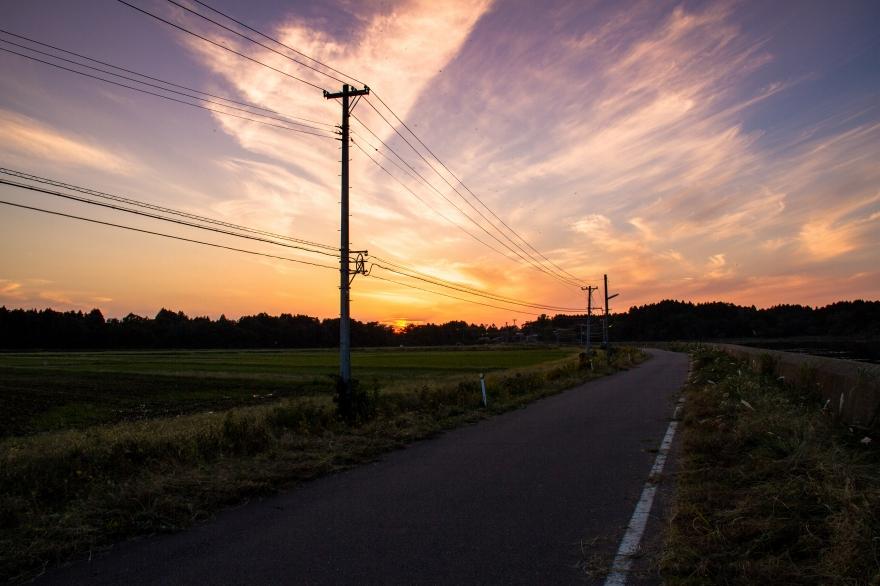 夕暮れの農道 (1)