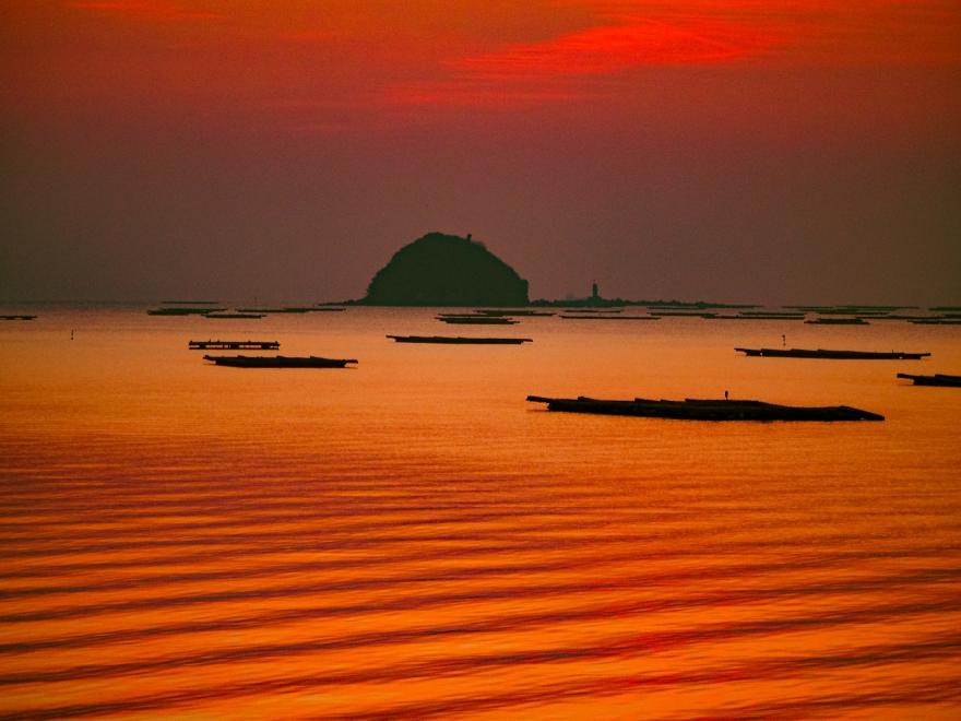 夜明け前の錦海湾 (1)