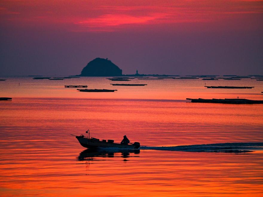 夜明け前の錦海湾 (2)