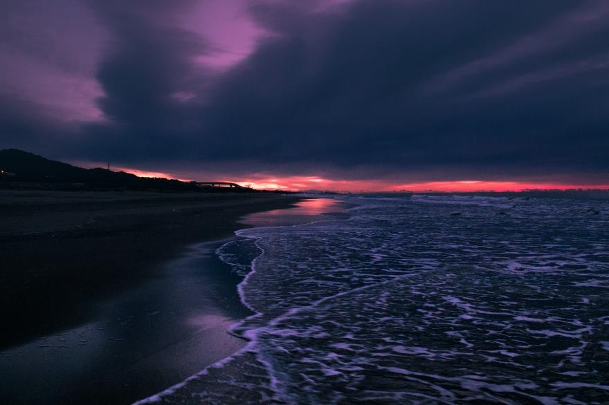 夜明けの海 (1)
