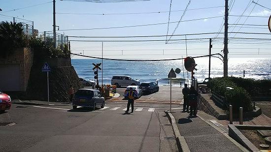 江の島 江ノ電 鎌倉高校前 踏切