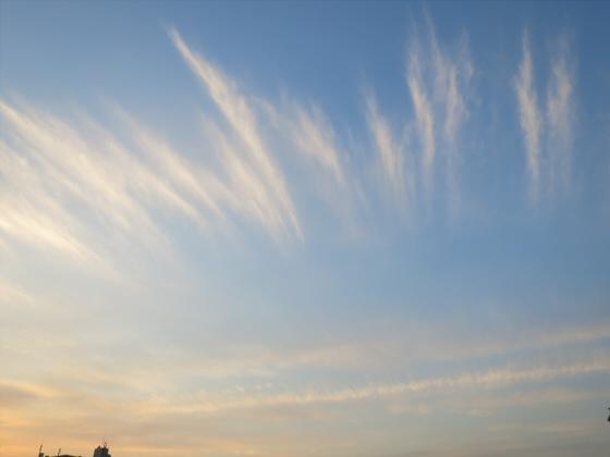 困った時は空と雲の写真16