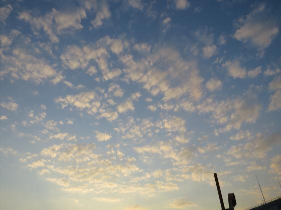 困った時は空と雲の写真17
