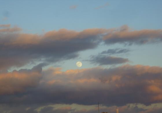 困った時は空と雲の写真20