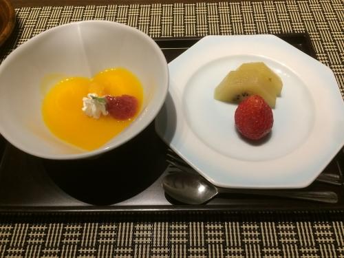 甘味 マンゴープリン&とちおとめ キウィ