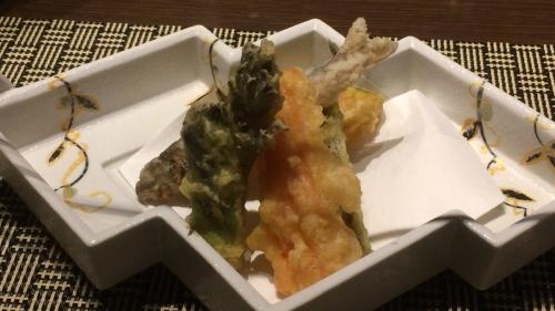 稚鮎と山菜天麩羅